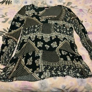 Forever 21 Crinkle Ornate Peasant Top
